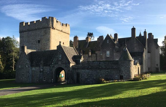 Drum_castle_view_2